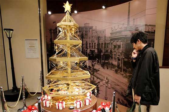 جاپان: 18 لاکھ ڈالر مالیت کا کرسمس ٹری لوگوں کی توجہ کا مرکز