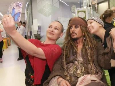 Johnny Depp Meet Children in Hospital