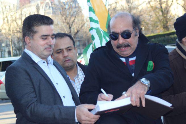 Paris Kashmir Million Signature Campaign