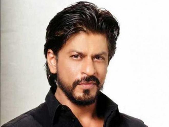 شاہ رخ خان کے ڈرائیور نے گاڑی صحافی پر چڑھا دی