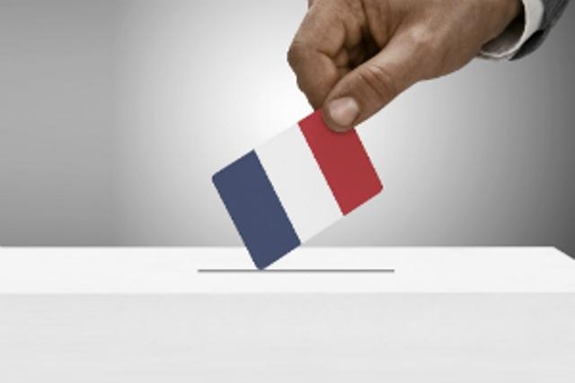 فرانس میں صدارتی الیکشن کا پہلا ٹور اتوار کو ہو گا