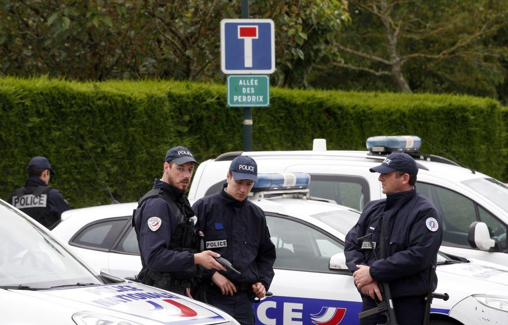 فرانس میں انسداد دہشت گردی پولیس کی کارروائی 5 مشتبہ افراد گرفتار