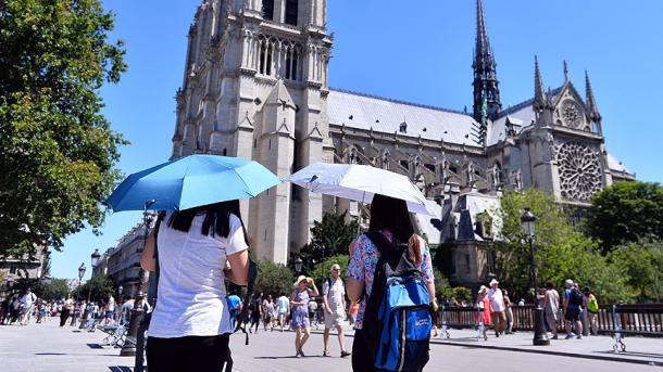 فرانس کے دو تہائی حصے میں شدید گرمی کی وجہ سے اورنج الارم دے دیا  گیا