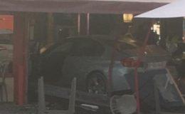 پیرس: بے قابو گاڑی ریستوران میں گھس گئی، 1 ہلاک 12 زخمی