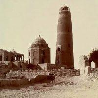 Ma'soomi Minar in Sukkur
