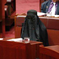 Pauline Hanson Wears Burqa