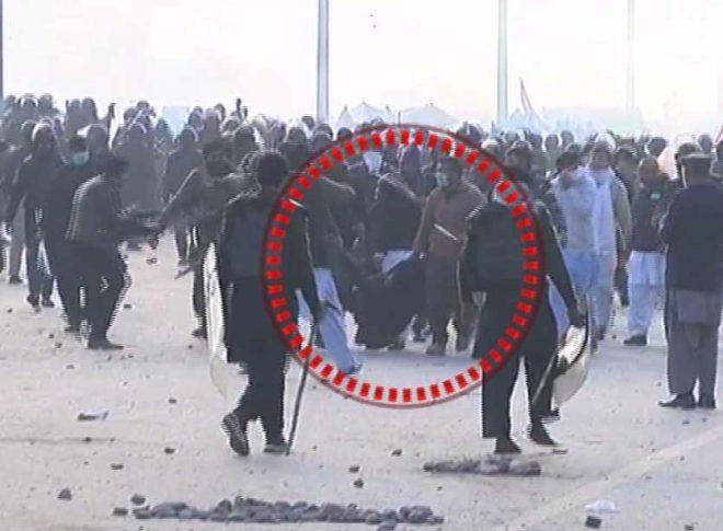 اسلام آباد میں دھرنے کیخلاف آپریشن، فیض آباد کا علاقہ میدان جنگ بن گیا