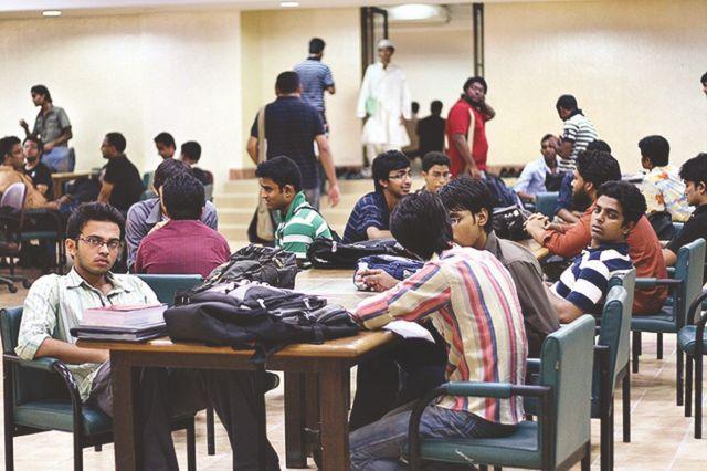 پرایئوٹ یونیورسٹیز اور طلباء کا مستقبل