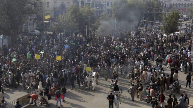 اسلام آباد دھرنا؛ قیام امن کے لیے فوج طلب