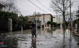 فرانس موسلا دھار بارشوں اور سیلاب کی زد میں آ گیا