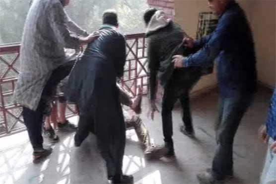 لاہور کی سیشن کورٹ پھر میدان جنگ بن گئی، دو گروپوں میں لڑائی