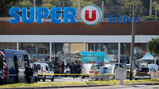 فرانس: یرغمالوں کی رہائی کے بعد خود کو پیش کرنے والا پولیس افسر ہلاک