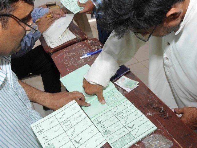 سرگودھا میں حلقہ پی پی 30 میں ضمنی الیکشن کا میدان سج گیا، پولنگ جاری