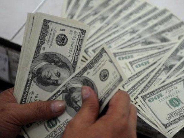 روپے کی بے قدری کا سلسلہ جاری، ڈالر مزید 10 پیسے مہنگا