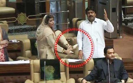 سندھ اسمبلی: نصرت سحر عباسی کے جوتا دکھانے پر ڈپٹی سپیکر برہم، ایوان میں گرما گرمی