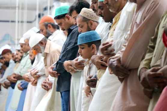 ملک بھر میں عیدالفطر مذہبی جوش و جذبے کیساتھ منائی جا رہی ہے