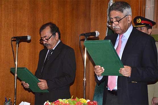 سندھ بازی لے گیا، فضل الرحمان نے نگران وزیراعلیٰ کا عہدہ سنبھال لیا