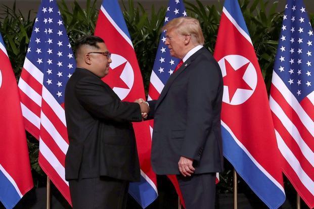 امریکی صدر ٹرمپ اور شمالی کوریا کے سربراہ کم جانگ ان کی تاریخی ملاقات